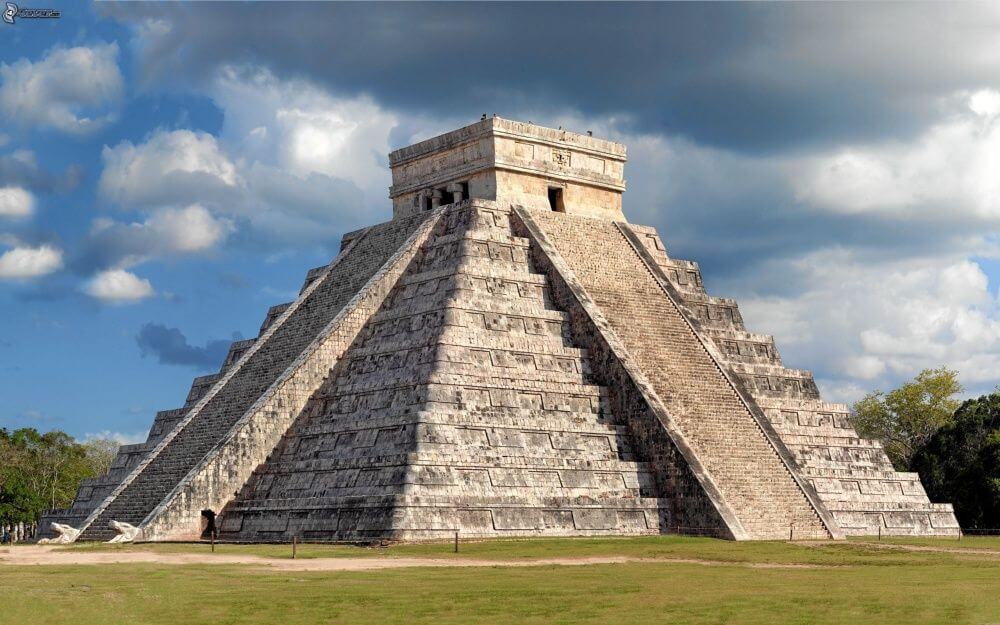 Pirámide de Chichén Itzá en Cancún