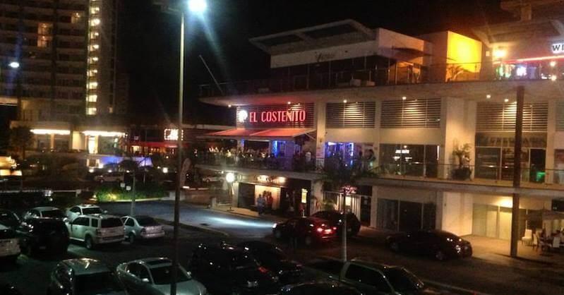 Bar Plaza Solare en Cancún