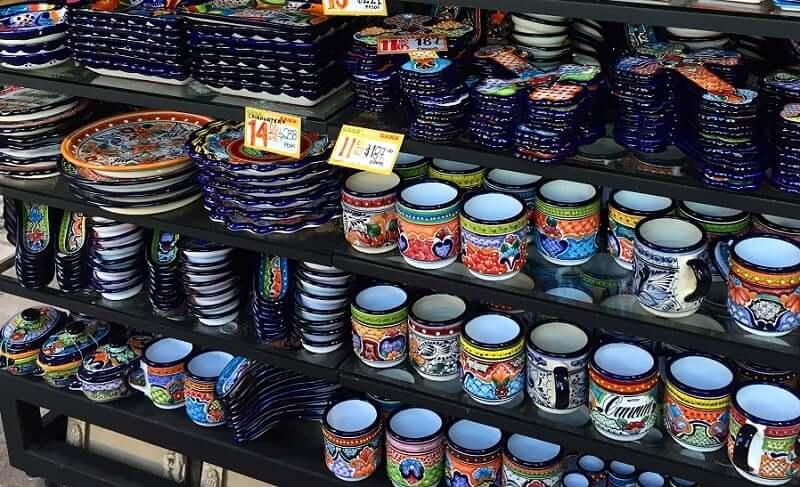 Tienda Fiesta Mexicana para comprar recuerdos y souvenirs en Cancún en México
