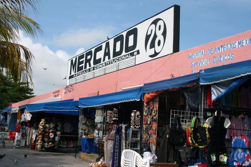 Mercado 28 para comprar ropa en Cancún