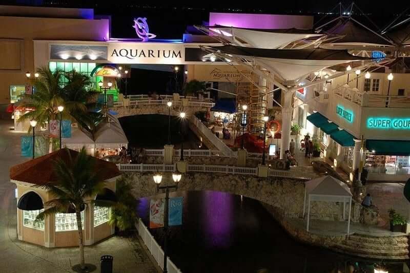 Shopping La Isla para comprar calzado en Cancún
