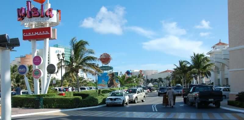 Información sobre el Shopping La Isla en Cancún