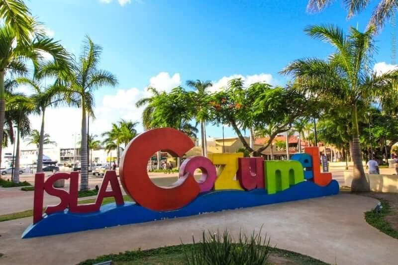 Comércio y entretenimiento en la Isla Cozumel en Cancún