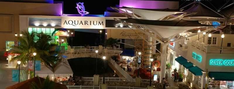 Entretenimiento para los visitantes en el Shopping La Isla en Cancún