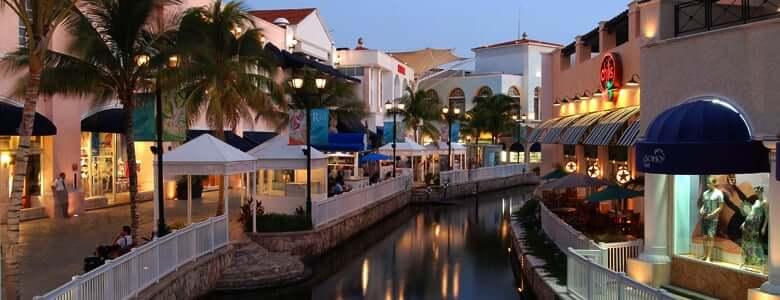 Tiendas en el Shopping La Isla en Cancún
