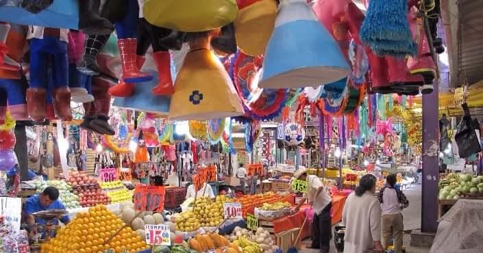 Ocio y entretenimiento en el Mercado 28 en Cancún