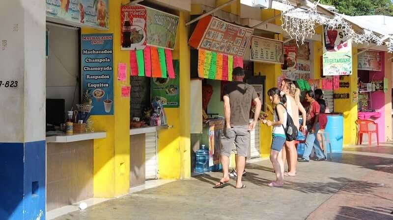Tradiciones en el Parque de Las Palapas en Cancún