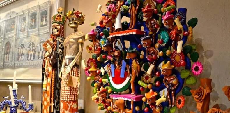 Artefactos en el Museo de Arte Popular en Cancún