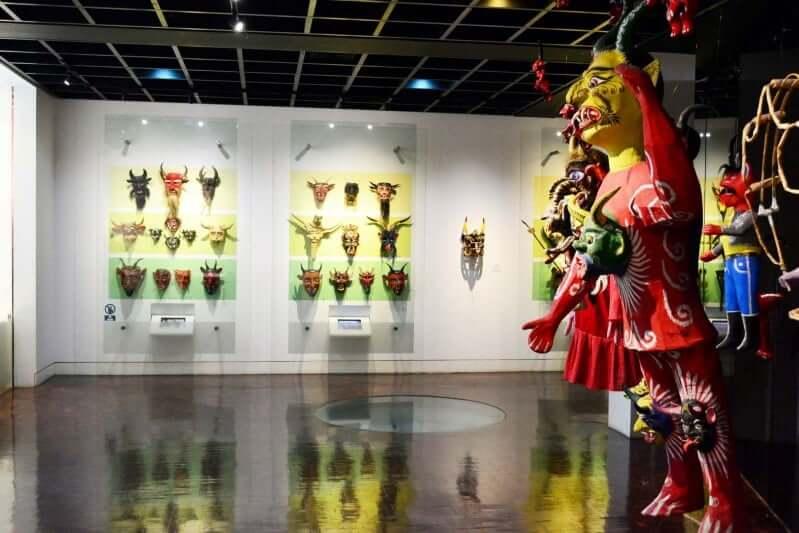 Paseo por el Museo de Arte Popular en Cancún