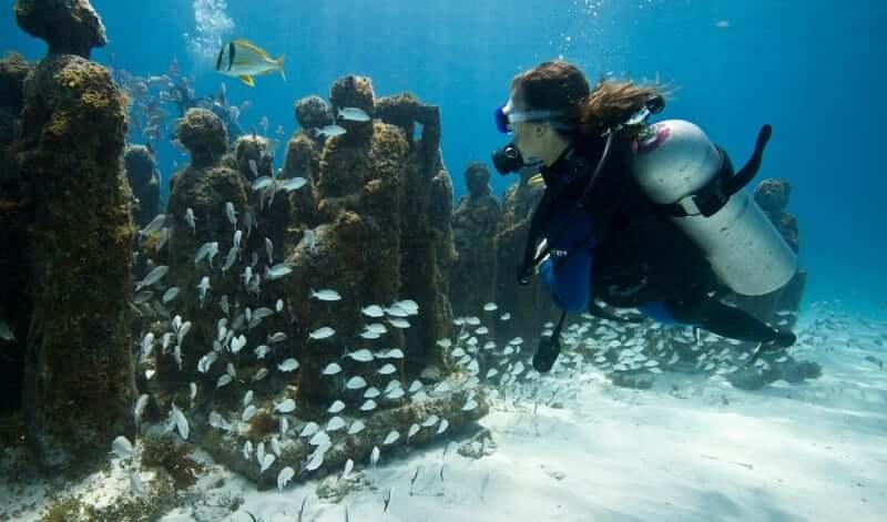 Museo Subacuático de Arte en Cancún