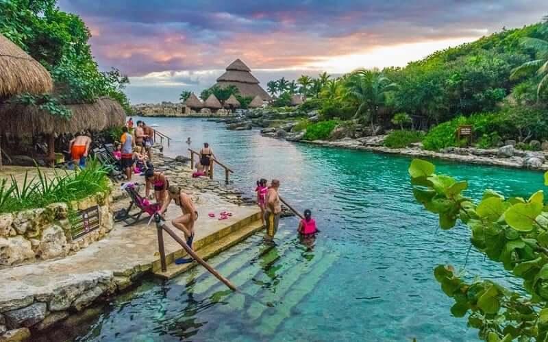 X-Caret Cancún