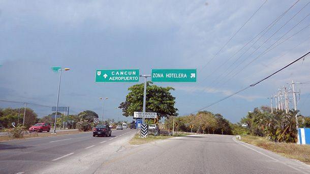 Conducir hasta el Walmart en Cancún