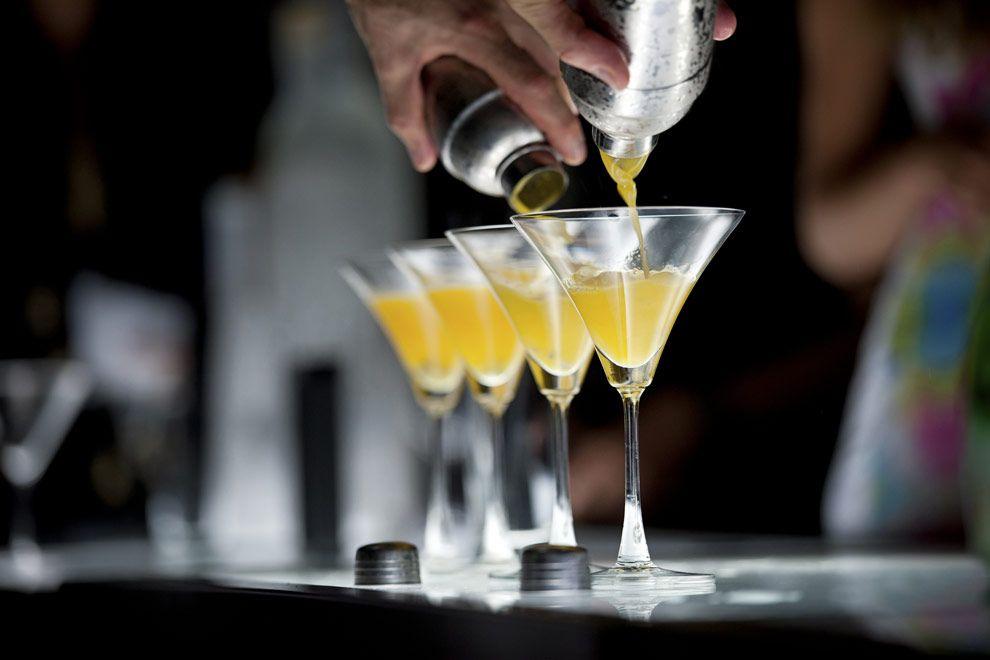 Bebidas en la discoteca The City en Cancún