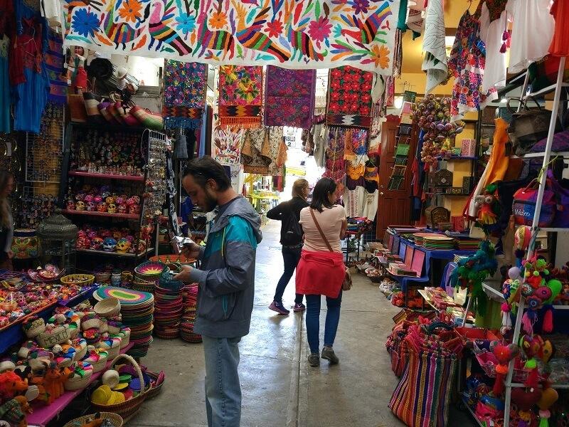 Feria de recuerdos y souvenirs - Ciudad de México