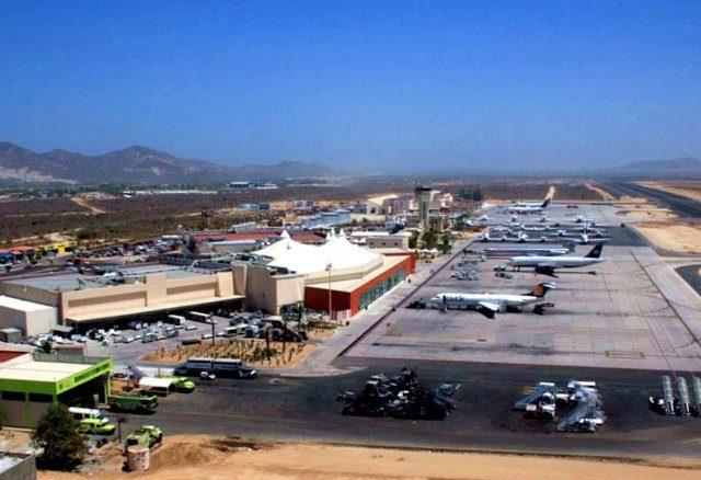 Como ir del aeropuerto de Los Cabos al centro turístico