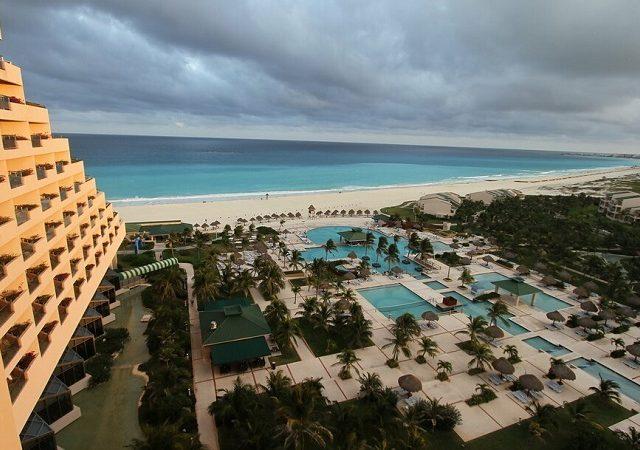 Temporada de huracanes y terremotos en Cancún